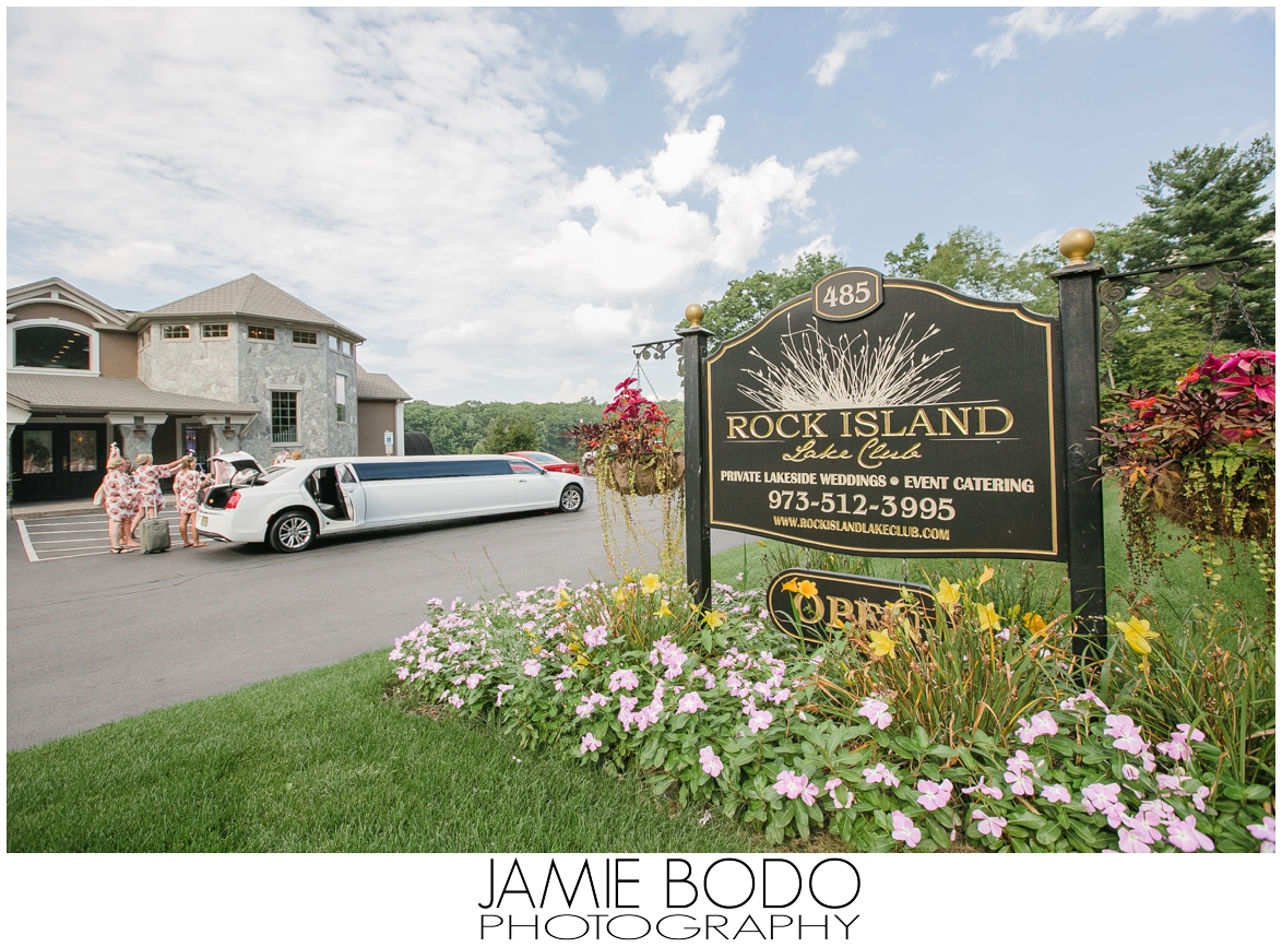 Rock Island Lake Club Wedding Photos In Sparta New Jersey Jamie